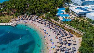 Strand des Hotels Ivan in Sibenik