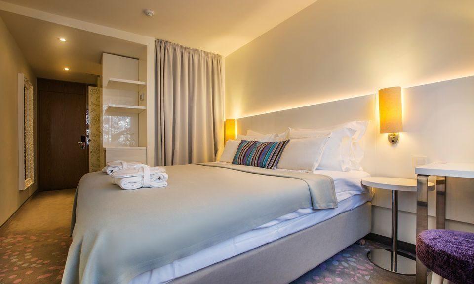Doppel- oder Zweibettzimmer, 22 m² Hof/Gartenblick, mit französischem Balkon-1