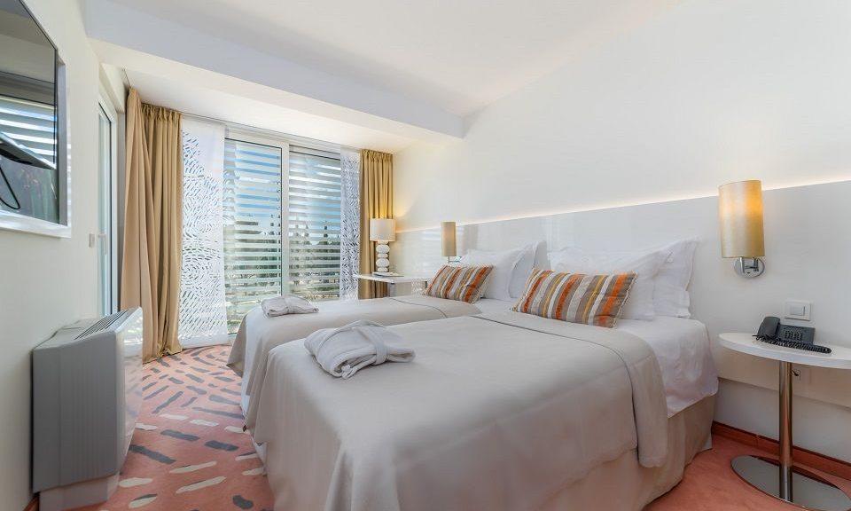 Doppel- oder Zweibettzimmer, 22 m² Parkblick, mit Balkon_11