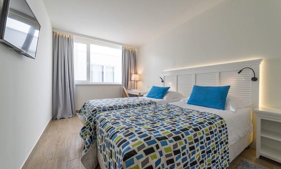 Doppel- oder Zweibettzimmer, 22 m² Atriumsblick-1