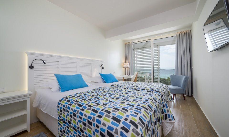 Doppel- oder Zweibettzimmer, 22 m² Meerblick, mit Balkon_22