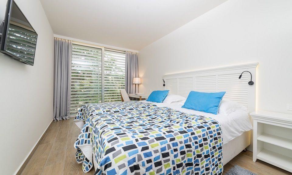 Doppel- oder Zweibettzimmer, 22 m² Parkblick, mit Balkon_19