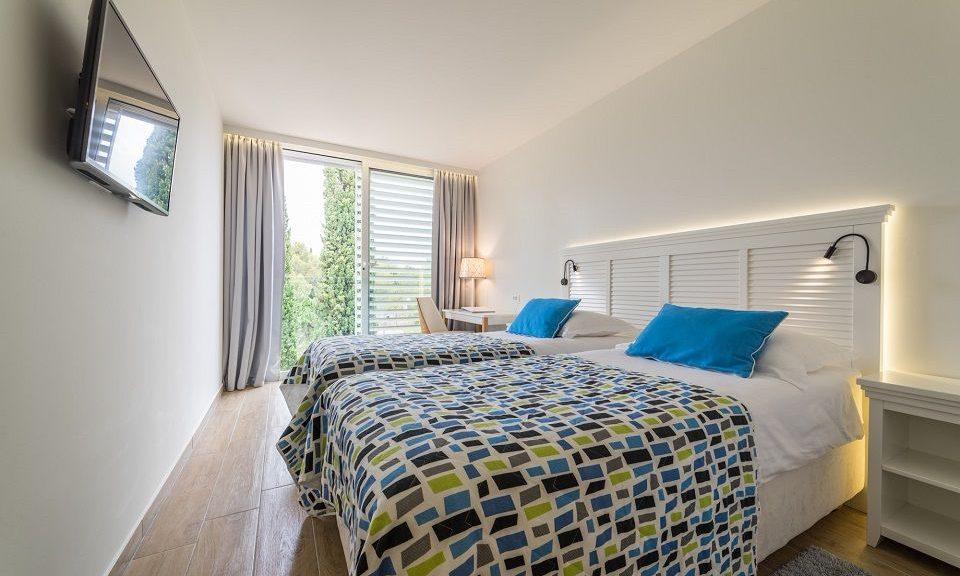 Doppel- oder Zweibettzimmer, nebeneinander, 44 m² Parkblick, mit französischem Balkon_5