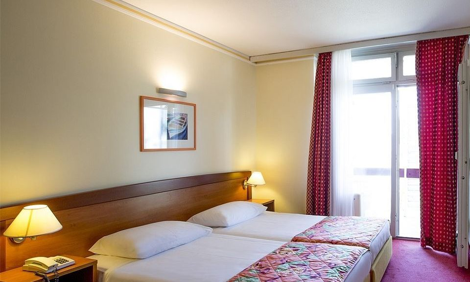 Doppelzimmer, 18 m² Hof/Gartenblick, mit Balkon-1
