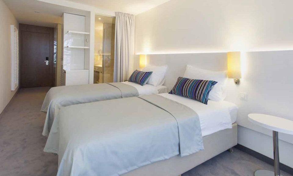 Doppel oder Twin Zimmer neben Zimmer mit Hof/Garten Blick 44m2 mit französischen Balkons_1