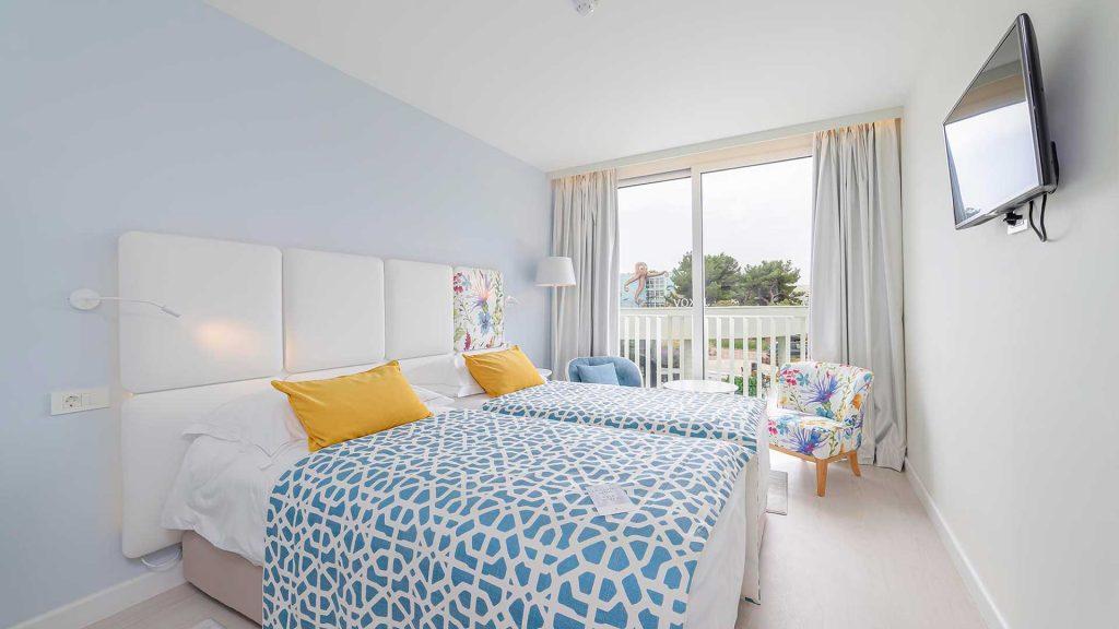 Familienzimmer mit Verbindungstür, 62 m² Parkblick, mit französischen Balkonen_2