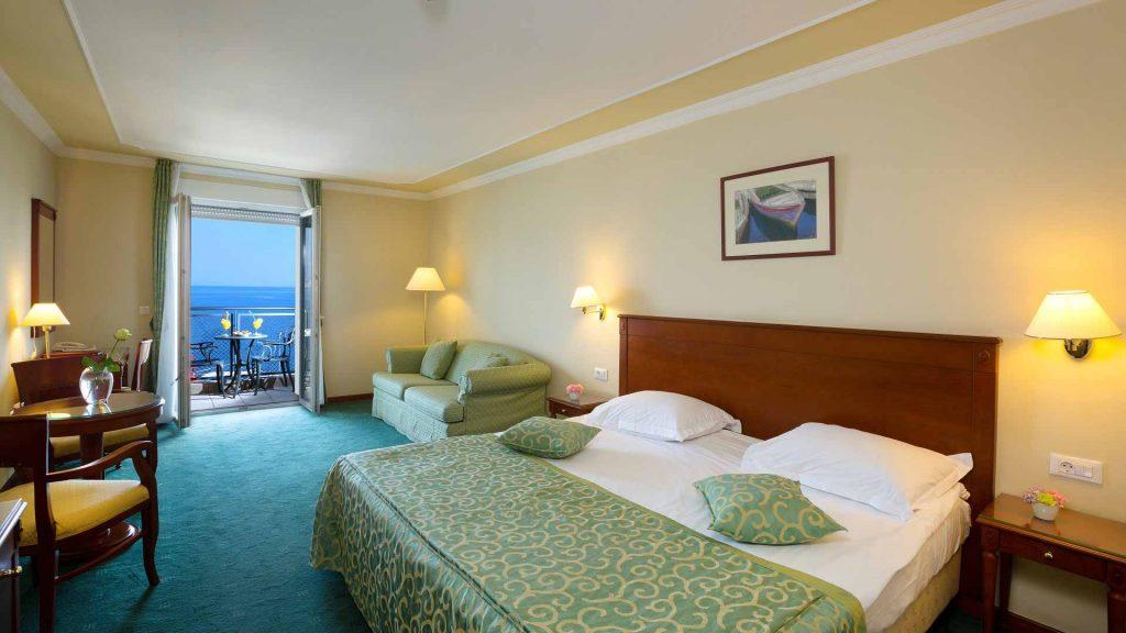 Standard Doppel-/Zweibettzimmer Villa Continental 22 m² Hof-/Gartenblick_1