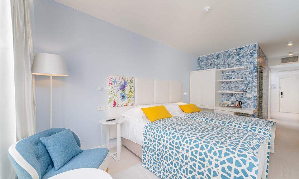 Familienzimmer, 31 m² Atriumsblick, mit französischem Balkon_10