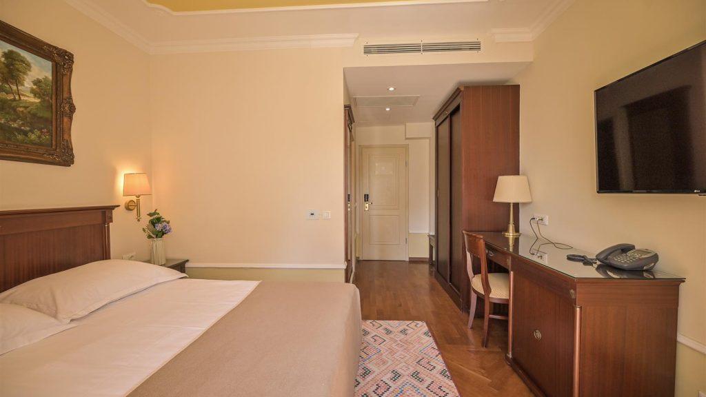 Standard Doppelzimmer 30 m² Parkseite_1