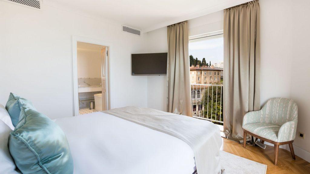 Superior Doppelzimmer 25 m² Parkblick und französisch Balkon_7
