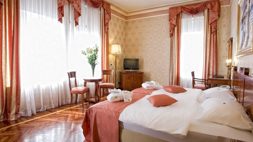 Doppelzimmer 25 m2 Parkseite_0