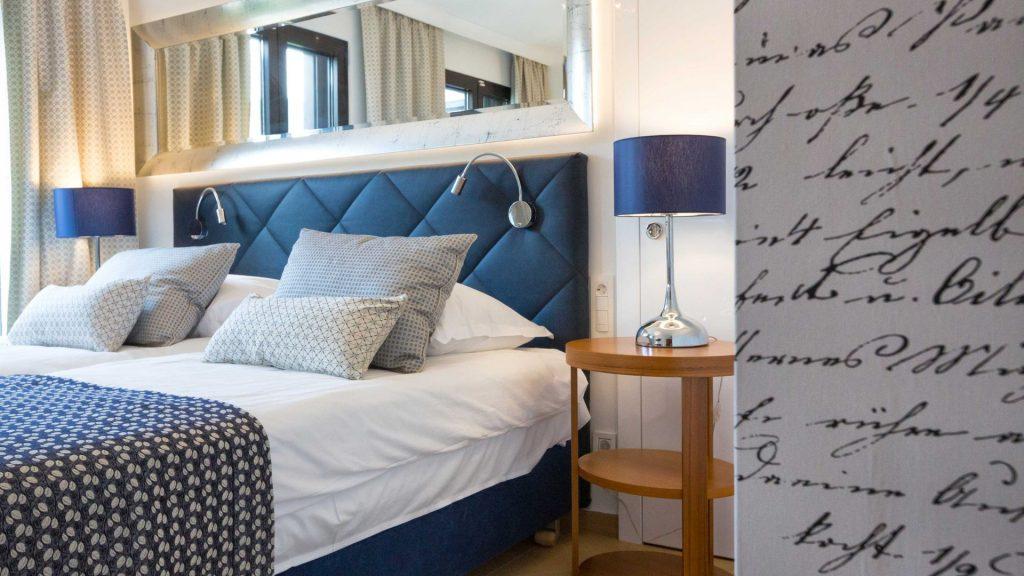 Doppelzimmer 25 m² Hof/Gartenblick und französischer Balkon_2