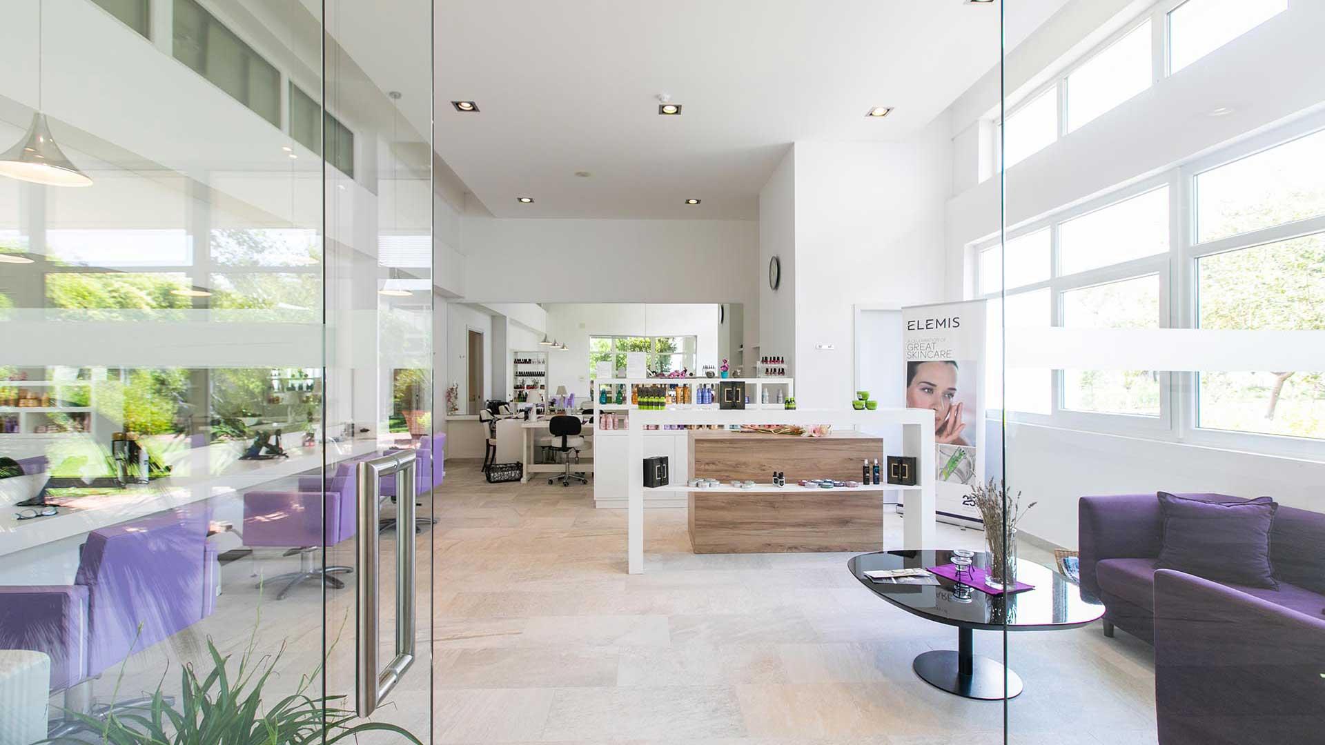 Frizerski salon u Mediterranean Garden