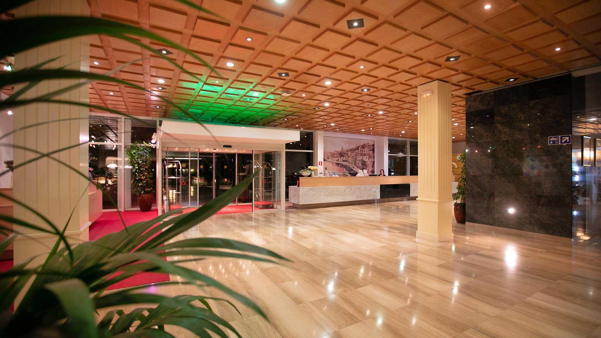 12003-solaris-hotel-niko