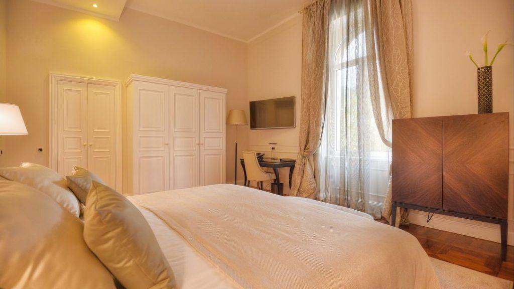 Deluxe Dvokrevetna Soba Povijesna Villa 28 m² Pogled Opatija-1