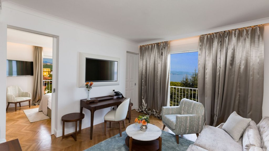 Suite 40 m² Pogled More i Francuski Balkon_3