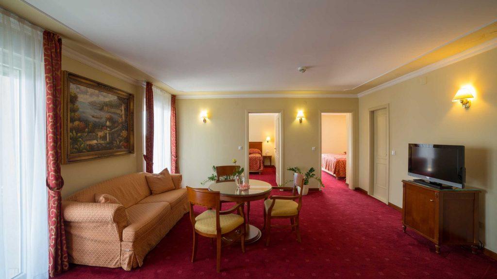 Suite Villa Camallia, 85 m² con vista sul mare e balcone_2