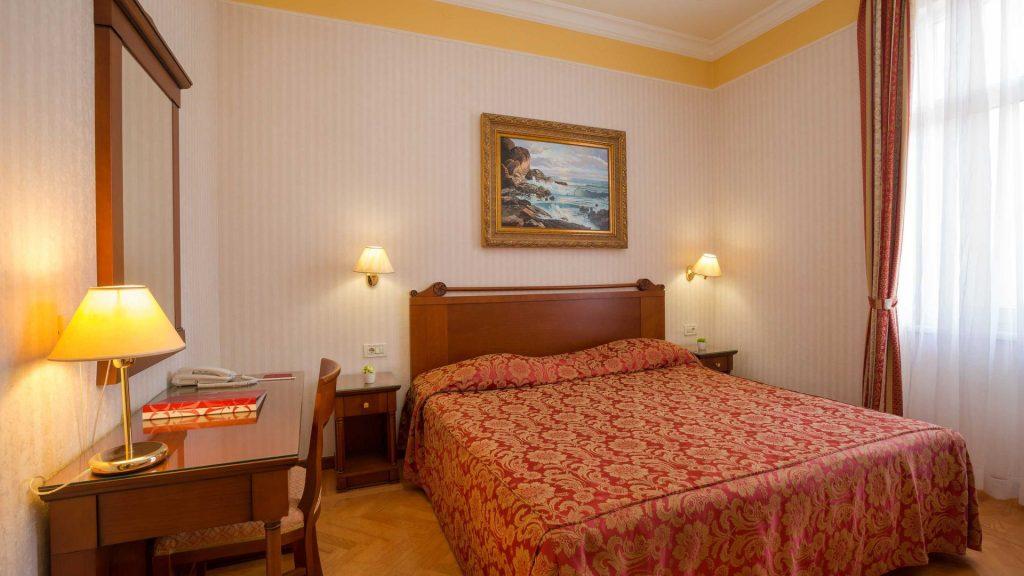 Suite 40 mq con vista cortile/giardino e balcone-1