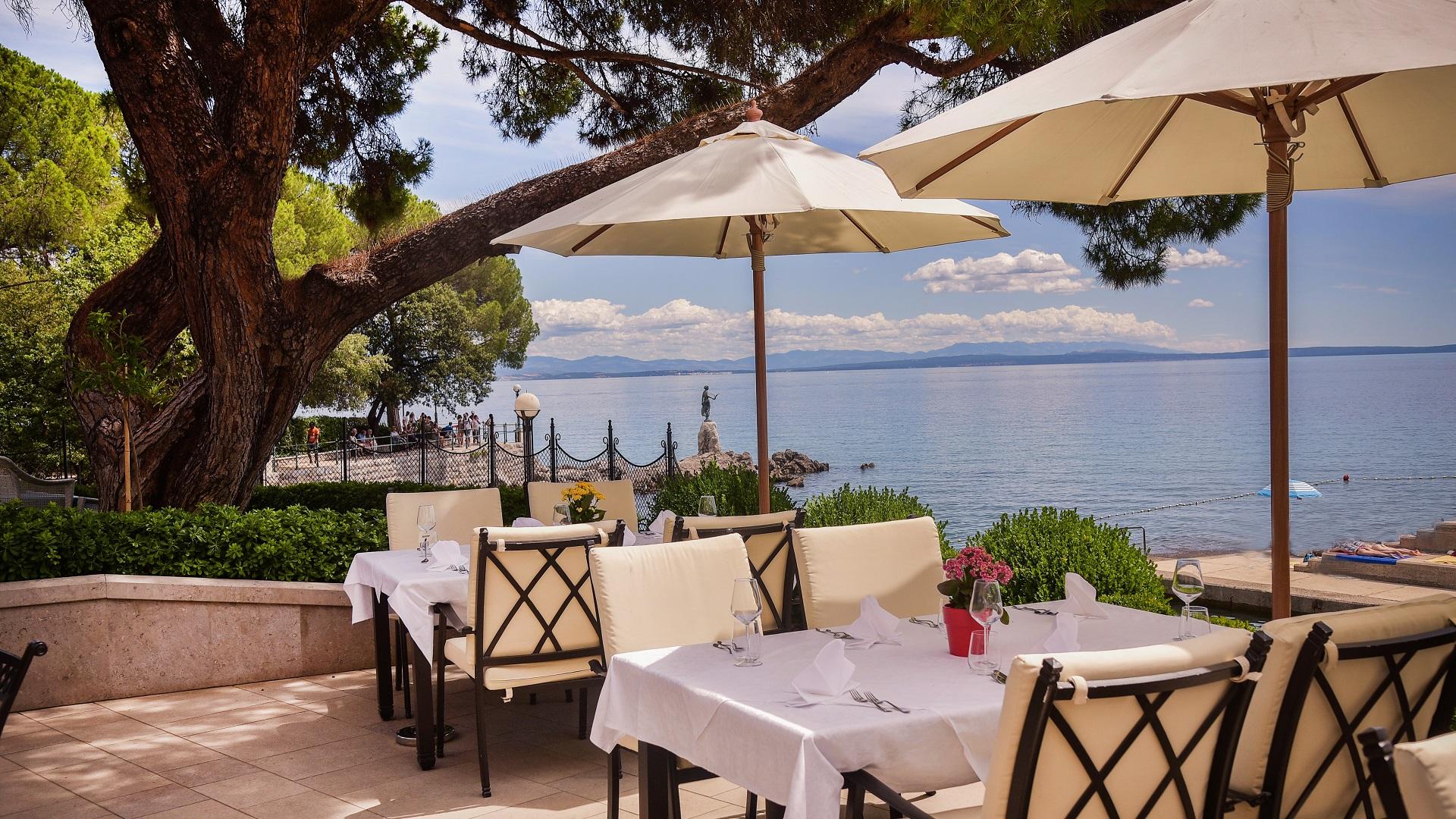 Restaurant Camellia Amadria Park Official Web