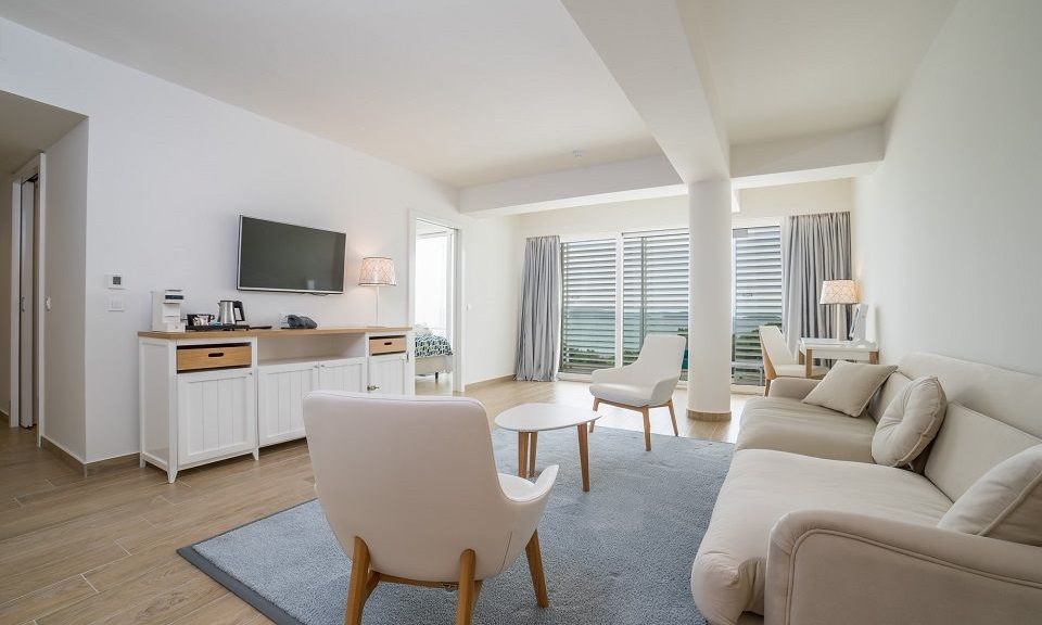 Suite 55m² Sea View with Balconies_17