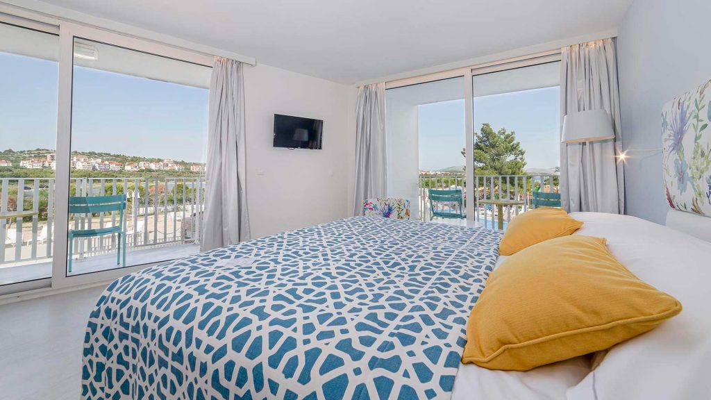 Family Large Room 42m² Sea View with Balconies-1